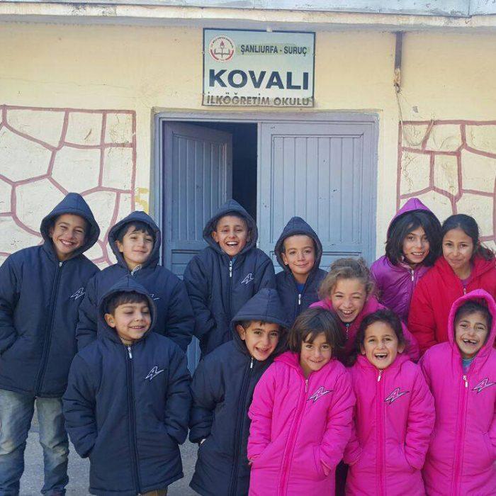 kovali-ilkokulu-kislik-yardim-projesi-suruc-urfa-09